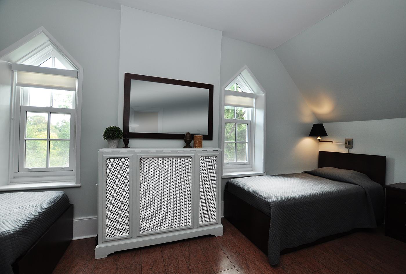 Sullivan Centre bedroom